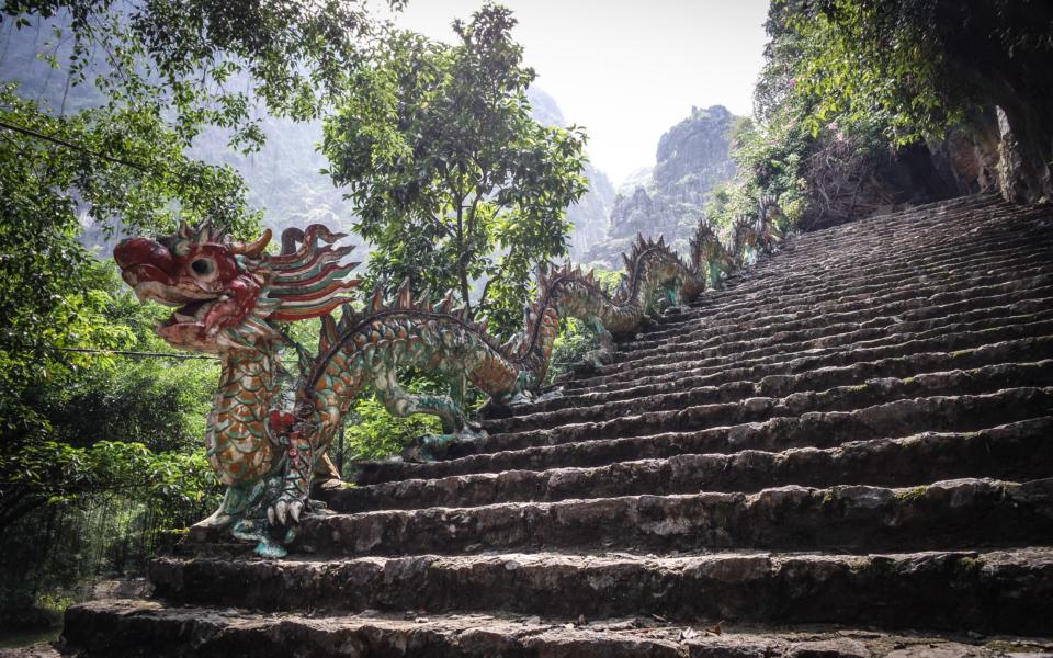 Mua Cave Dragon